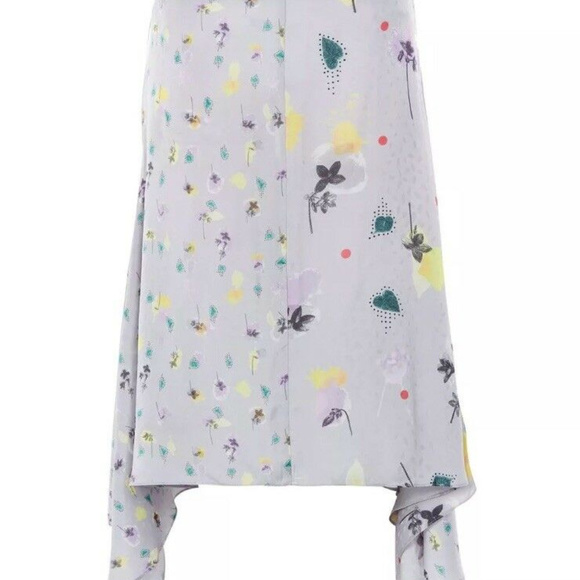 Topshop Dresses & Skirts - NWT Topshop Boutique Asymmetrical Floral Skirt